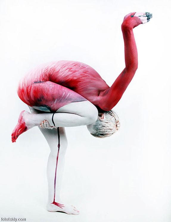 Красивый боди-арт с еффектом иллюзии Фото 1