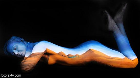 Красивый боди-арт с еффектом иллюзии Фото 10