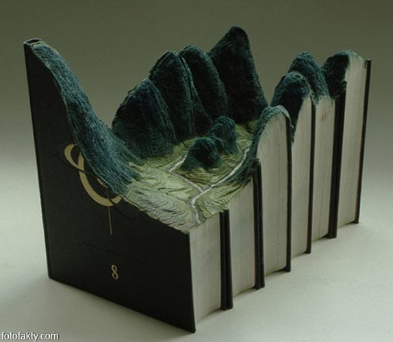 3D скульптуры из книг Фото 2