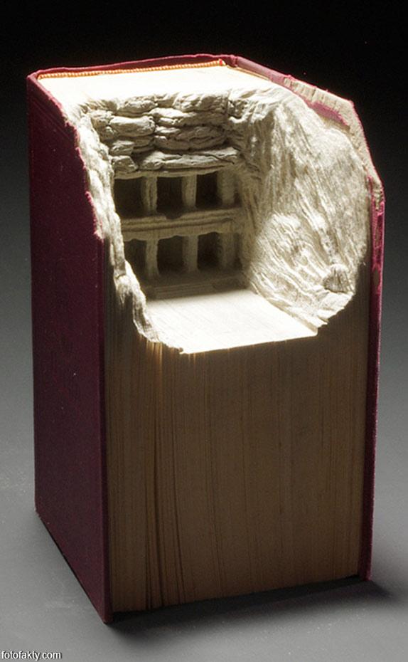 3D скульптуры из книг Фото 7