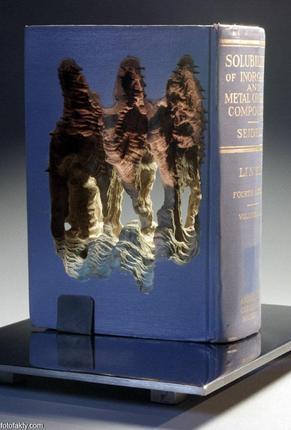 3D скульптуры из книг Фото 8