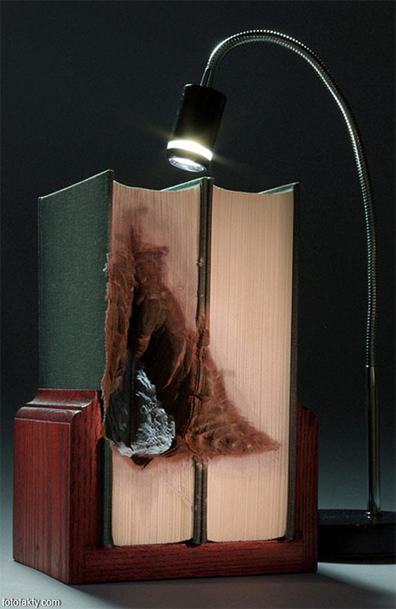 3D скульптуры из книг Фото 10