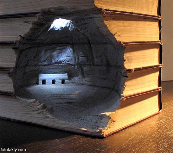 3D скульптуры из книг Фото 12