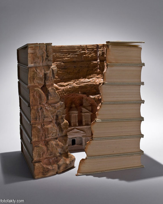 3D скульптуры из книг Фото 13