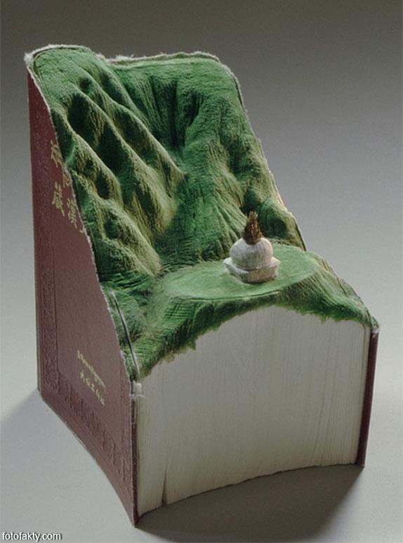 3D скульптуры из книг Фото 14