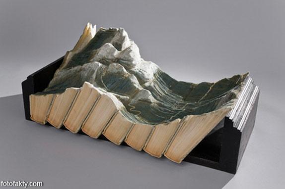 3D скульптуры из книг Фото 16