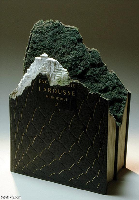 3D скульптуры из книг Фото 17