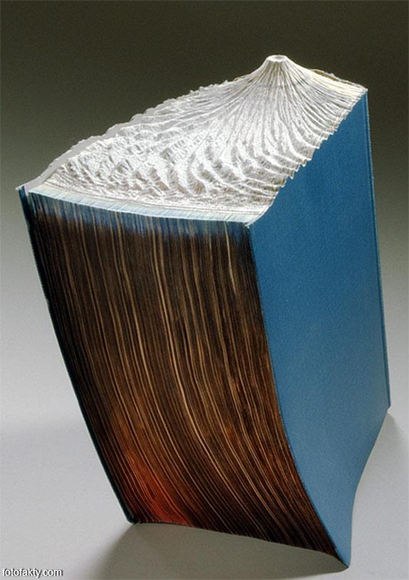 3D скульптуры из книг Фото 18