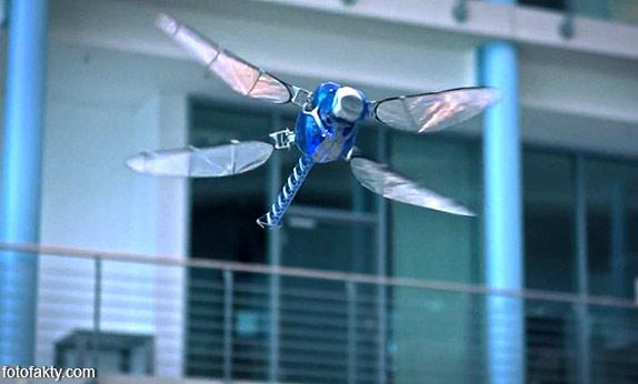 BionicOpter - реалистичный робот-стрекоза Фото 4