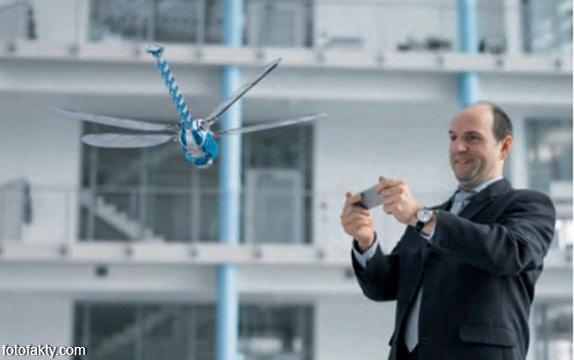 BionicOpter - реалистичный робот-стрекоза Фото 2