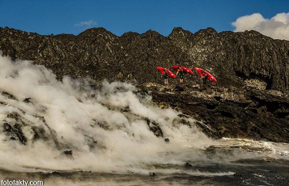Прогулка на каяке среди раскаленной лавы Фото 3