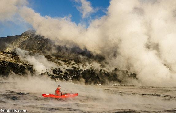 Прогулка на каяке среди раскаленной лавы Фото 6
