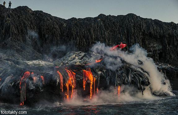 Прогулка на каяке среди раскаленной лавы Фото 10