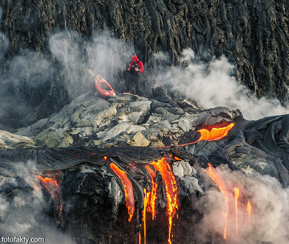 Прогулка на каяке среди раскаленной лавы Фото 11