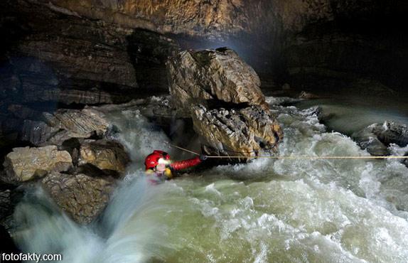 Огромная пещерная система в китайской провинции Чунцин Фото 3