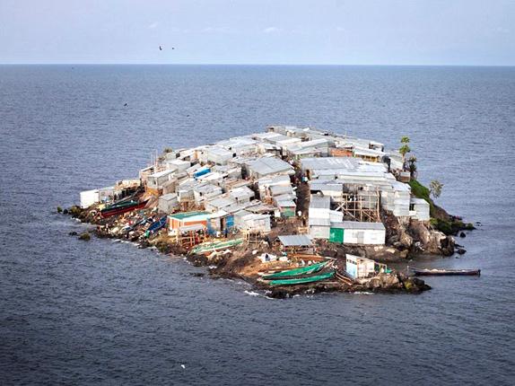 Самый густонаселенный остров на самом большом озере