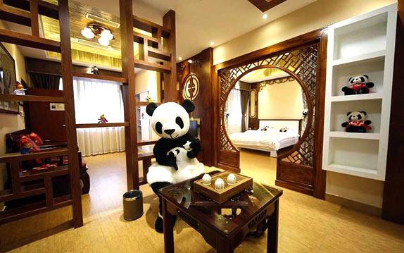 Тематический панда-отель в Китае