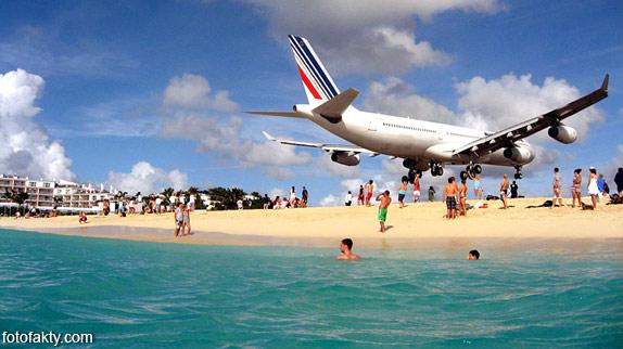 Экстремальные посадки самолетов на Махо Бич, Сен-Мартен Фото 5