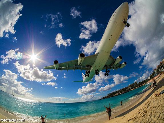 Экстремальные посадки самолетов на Махо Бич, Сен-Мартен Фото 16