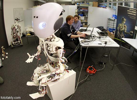 Робот-мальчик Roboy Фото 2
