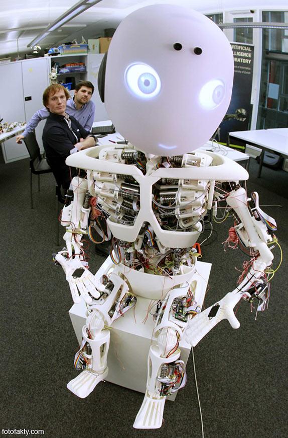 Робот-мальчик Roboy Фото 3
