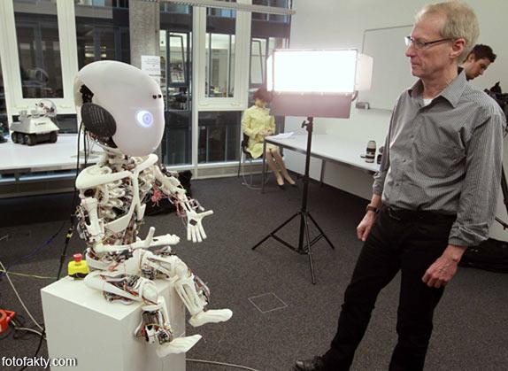Робот-мальчик Roboy Фото 4