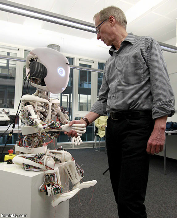 Робот-мальчик Roboy Фото 5