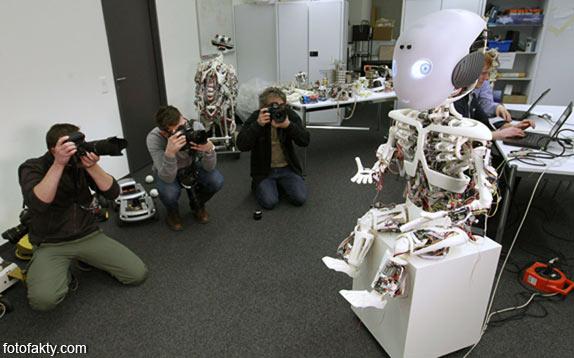 Робот-мальчик Roboy Фото 6