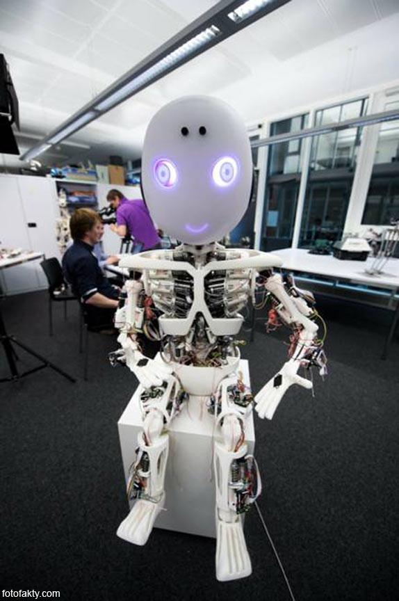 Робот-мальчик Roboy Фото 8