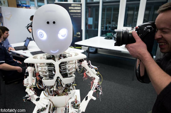 Робот-мальчик Roboy Фото 9