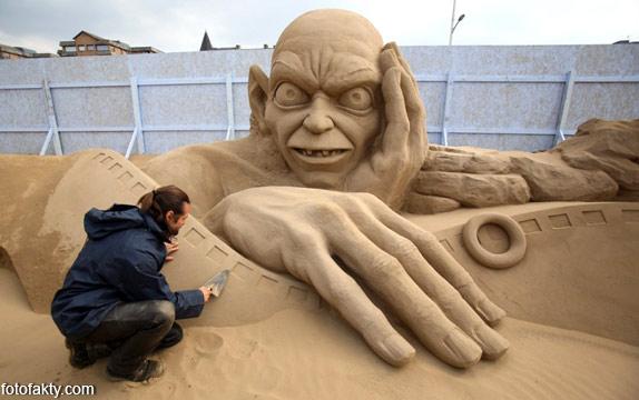 Фестиваль песчаных скульптур: Йода, Хичкок и Кинг-Конг Фото 1