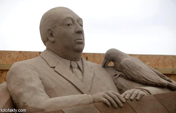 Фестиваль песчаных скульптур: Йода, Хичкок и Кинг-Конг Фото 6