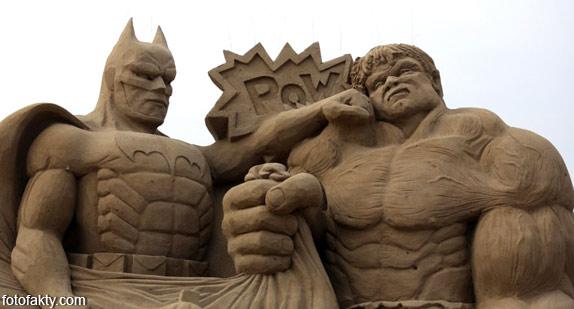 Фестиваль песчаных скульптур: Йода, Хичкок и Кинг-Конг Фото 11