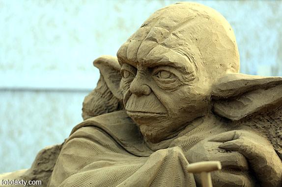 Фестиваль песчаных скульптур: Йода, Хичкок и Кинг-Конг Фото 16