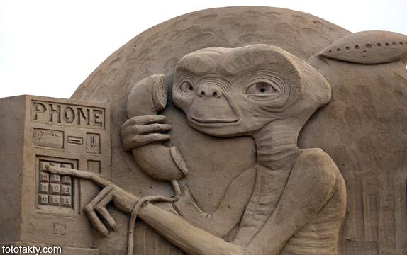 Фестиваль песчаных скульптур: Йода, Хичкок и Кинг-Конг Фото 10