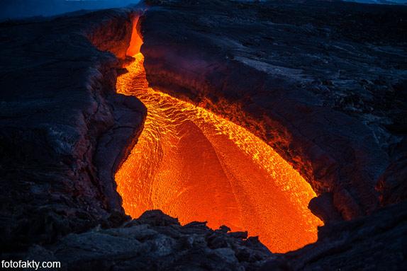 Потрясающие фотографии извержение вулкана Плоский Толбачик Фото 2