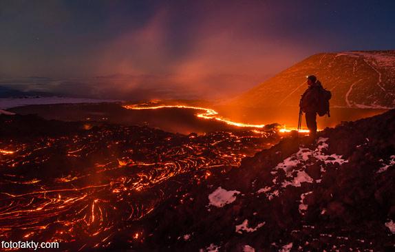 Потрясающие фотографии извержение вулкана Плоский Толбачик Фото 6