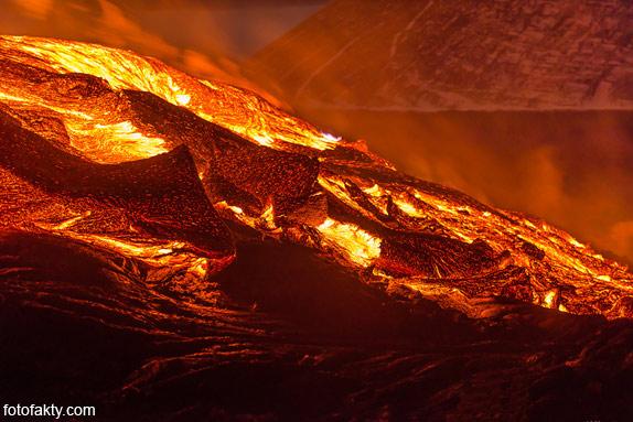 Потрясающие фотографии извержение вулкана Плоский Толбачик Фото 9